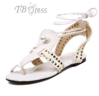 Comfortable Rivet Ankle Strap Flat Heel Sandals | beauty&fashion clothing | Scoop.it