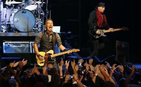 Bruce Springsteen crowd-surfs, downs beer to concert fans' delight - City Press   Bruce Springsteen   Scoop.it