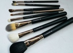 Buy Mac Makeup Brushes | Victoria Haneveer | Fashion and Looking Great | Scoop.it