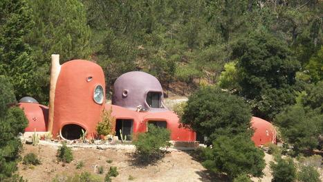 Famous Flintstone House knocks $585,000 off price | CLOVER ENTERPRISES ''THE ENTERTAINMENT OF CHOICE'' | Scoop.it