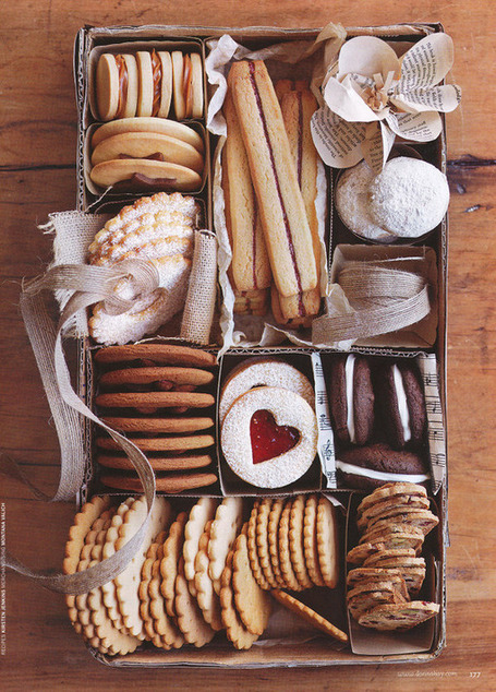dustjacket attic: Cookies & Christmas | Dessert Buffet | Scoop.it