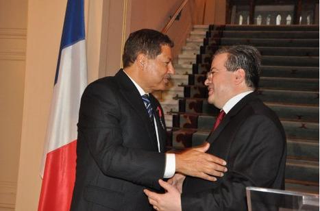 L'Ambassadeur de France remet les insignes de Chevalier de la Légion d'honneur à Ahmed Zewail | Égypt-actus | Scoop.it