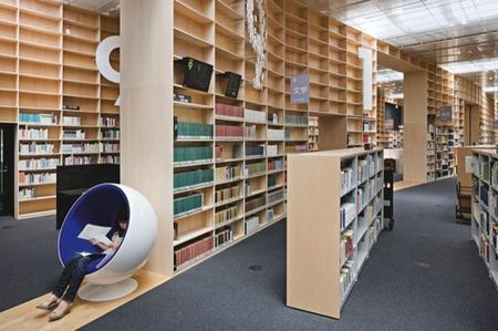 book patrol: The bookshelf takes over the library!   Architecture des bibliothèques   Scoop.it