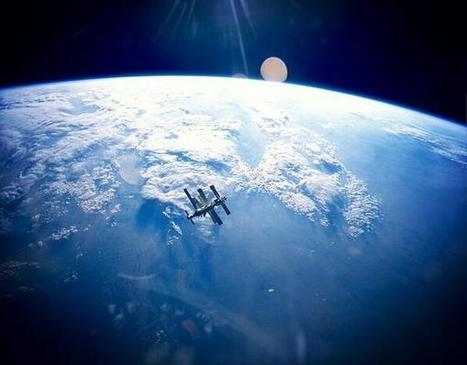 Twitter / Globe_Pics: Russian Space Station Mir, ...   Astronomy News   Scoop.it
