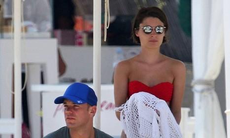 Manuel Neuer enjoys well deserved break in Greece with girlfriend following ... - Daily Mail | Travel To Mykonos | Scoop.it