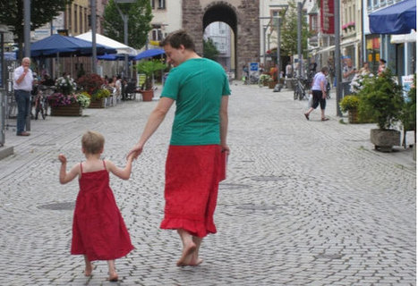 #413 Dad wears a skirt to support his boy | This gives me hope | This Gives Me Hope | Scoop.it