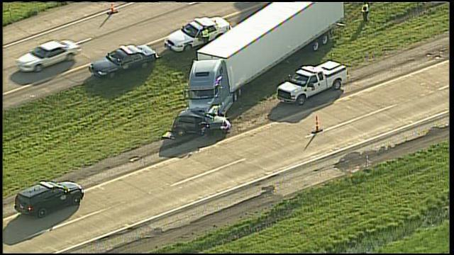 Indianapolis Truck Accident Injures Two Police ...