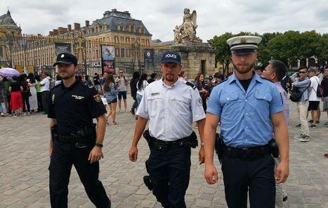 Versailles : des policiers européens en patrouille au château | Médias sociaux et tourisme | Scoop.it
