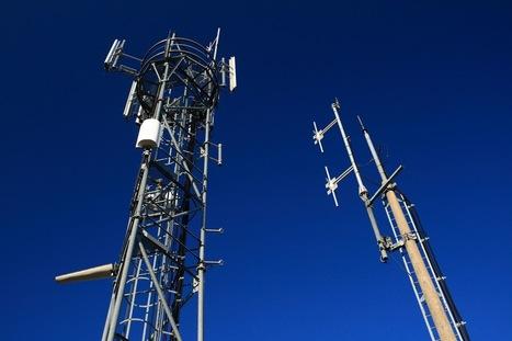 Antennes relais : les techniciens qui installent la 4G mettent-ils en danger leur santé ? | Toxique, soyons vigilant ! | Scoop.it