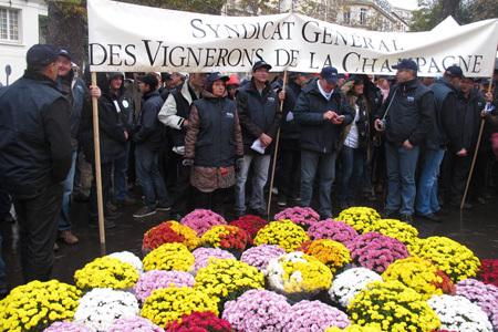 Coût du travail: Manifestation contre la hausse des charges | Viticulture | Scoop.it