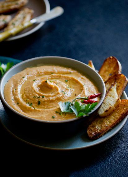 Spicy Sriracha White Bean Dip Recipe | 4-Hour Body Bean Cookbook | Scoop.it