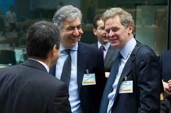 TRAGAR con la TROIKA significa esto: El FMI quería reducir los salarios a los griegos a 300 euros mensuales | La R-Evolución de ARMAK | Scoop.it
