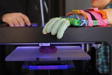 MakerBot says shoppers ready for 3D printers, some have doubts - Reuters UK | Peer2Politics | Scoop.it