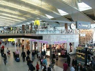 Winkelverkopen Schiphol dalen met 2 miljoen euro - Out of Home Shops | Schiphol | Scoop.it