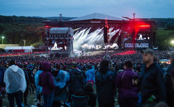 Music tourism 'brings £2.2bn' into UK music industry | The Money Of The Music Industry | Scoop.it