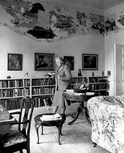 Awesome People Reading: Agatha Christie | education & libraries | Scoop.it