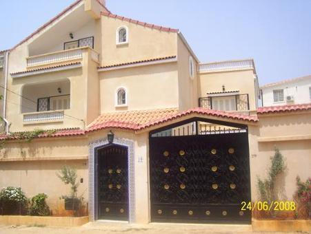 location villa khraicia alger. Black Bedroom Furniture Sets. Home Design Ideas
