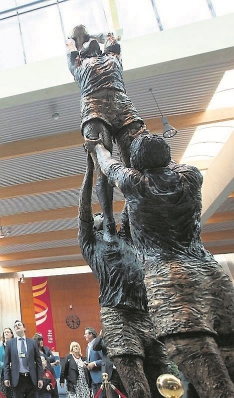 Statue honours iconic moment in rugby history | Irish Examiner | Diverse Eireann-Geneology and History | Scoop.it