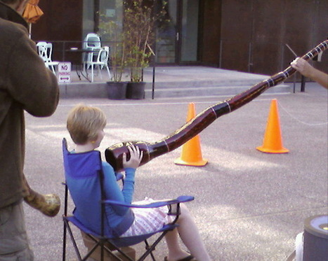 Didgeridoo massage | DESARTSONNANTS - CRÉATION SONORE ET ENVIRONNEMENT - ENVIRONMENTAL SOUND ART - PAYSAGES ET ECOLOGIE SONORE | Scoop.it
