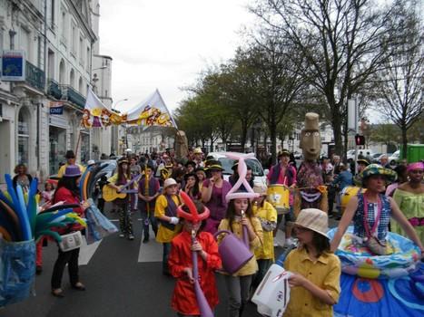 Le carnaval de Châtellerault : une réussite. : Centre de Cri - Poste | ChâtelleraultActu | Scoop.it