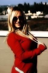 L'auto-stoppeuse parfaite : belle, blonde et toute de rouge vétue | Mais n'importe quoi ! | Scoop.it
