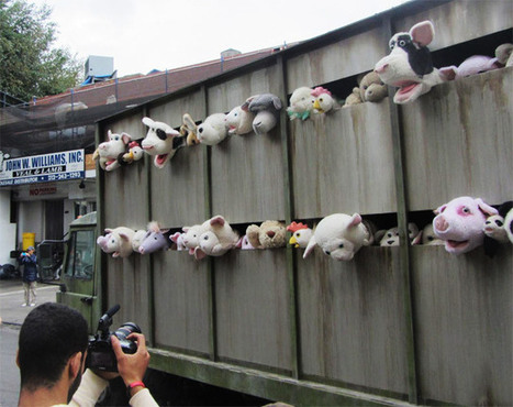 Photo, Video: Disturbing Stuffed Animal Truck IS The Work Of Banksy | Arte Pubblica | Scoop.it