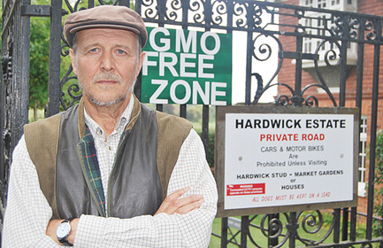 "Henley on Thames - Farmer declares estate ""GMO-free zone"" 