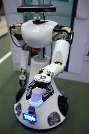 Europe launches RoboEarth: 'Wikipedia for Robots' | ZeitNews | Peer2Politics | Scoop.it
