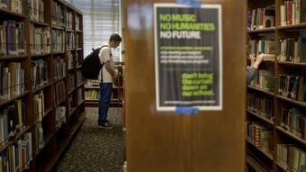 Not dead yet: Libraries still vital, Pew report finds | Ebooks & Ereaders in the Library | Scoop.it