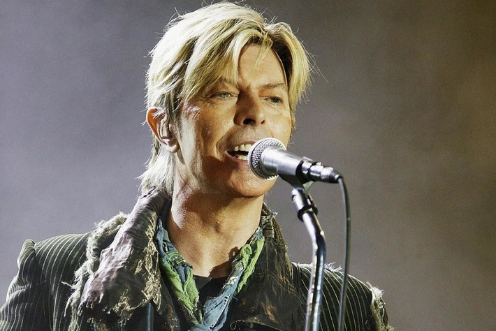 Petition launched calling on God to bring David Bowie back to life | Walking On Sunshine | Scoop.it