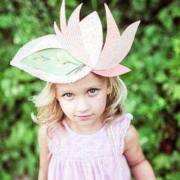 Manualidad: Preciosas coronas de tela y cartulina - Manualidades para niños - Charhadas.com   Educacion Prescolar   Scoop.it