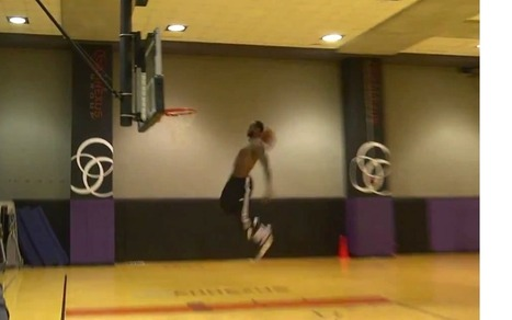 LBJ Puts on Dunking Clinic at Practice | Sports News | Scoop.it