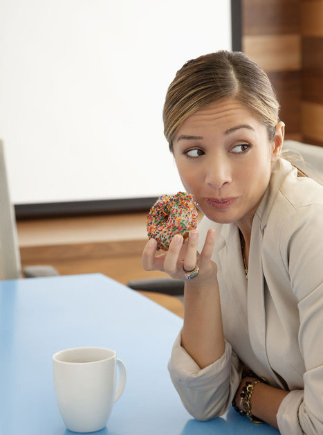 Women can put on almost a stone in their first year of working in an office due to snacking | London Women | Scoop.it