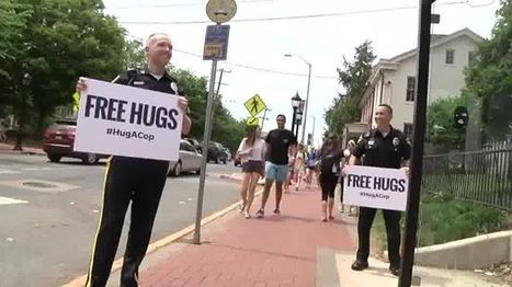 (Empathic Policing) Watch What Happens When Two Cops Offer People 'Free Hugs' | Empathy and Compassion | Scoop.it
