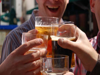 Moderate Doses of Alcohol Increase Social Bonding in Groups | Science News | Scoop.it