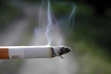 Le tabagisme passif augmente le risque de démence   Toxique, soyons vigilant !   Scoop.it