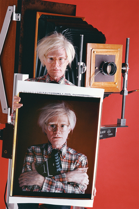 Shooting Film: Interesting Picture of Andy Warhol holding a Polaroid of Andy Warhol, 1980 | L'actualité de l'argentique | Scoop.it