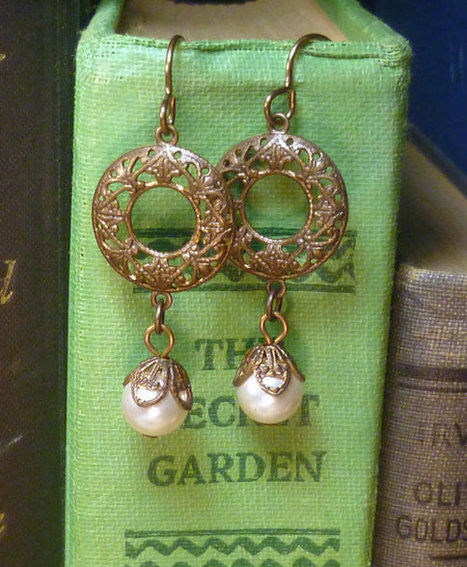 Steampunk cream pearl and Victorian brass earrings E004   boucles d'oreille   Scoop.it