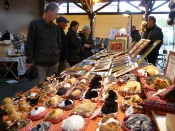 GENAS. L'artisanat d'art a investi la halle du marché grâce à l ... - Le Progrès   Artisanat d'art   Scoop.it