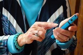 F-U-N-D-E-D: Startups for seniors raise cash to give grandpa options - CNET   baby boomer entrepreneurs   Scoop.it