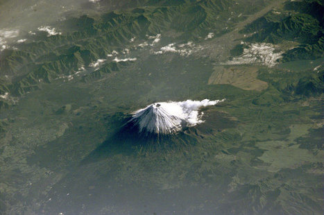Picture of the Day: Mount Fuji from Space | The Web Things | Scoop.it