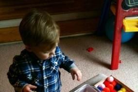 Τα νήπια παίζουν και μαθαίνουν τα χρώματα στο Παιδικό Μουσείο (από 1/3) | Creating and learning with children | Scoop.it