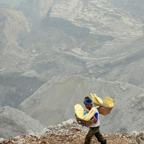 » Un infierno en amarillo, en Indonesia 101 Lugares increíbles - | Geografía | Scoop.it