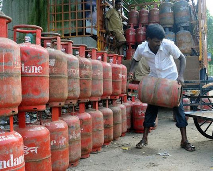 THOSE GIVING UP LPG SUBSIDY CAN APPLY AFTER 1 YEAR: MINISTER… | Daily jankari | Scoop.it