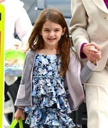 CLAIM: Suri Cruise Being Pitched Fashion Designs By Classmates and Parents - GossipCop | BlingBling | Scoop.it