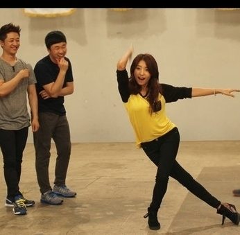 SISTAR's Bora to take on bowling in 'Our Neighborhood Arts and Physical Education' | allkpop.com | teaching | Scoop.it