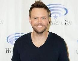 Joel McHale may Replace Craig Ferguson and Host the WHCD - I4U News | Daily Trendings News and Hot Topics Of Celebrities on I4U News | Scoop.it