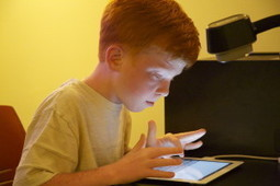10-year-old boy demonstrates education technology | Else | Scoop.it