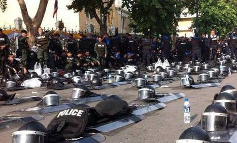 Police In Thailand Lay Down Vests and Barricades In Solidarity With Protestors | anonymous activist | Scoop.it