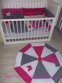 Gigoteuse, tour de lit et tapis de parc aux papillons roses, blancs et gris | Parce que chaque bébé est unique... | Scoop.it